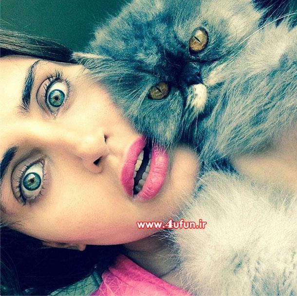عکس جدید و خوشگل الناز شاکردوست کنار گربه ملوس