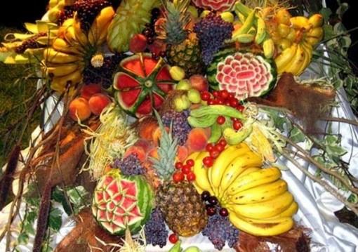 تزیین زیبای میوه شب یلدا برای نو عروس,تزیین میوه و سفره شب یلدا برای عروس