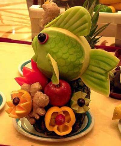 تزیین های هنرمندانه میوه و سفره شب یلدا 93