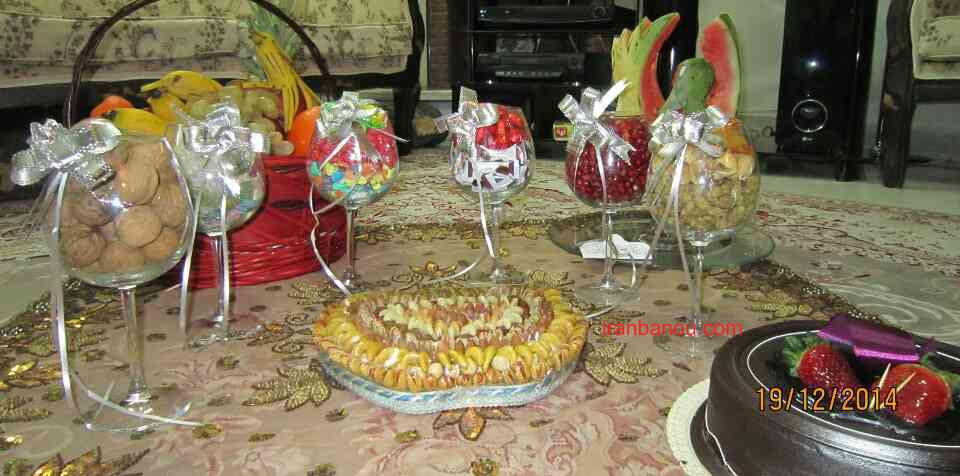 تزیین میوه شب یلدا برای عروس,تزئین شب یلدا عروس,تزیین سفره و آجیل عروس شب چله