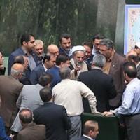 تکذیب ضرب و شتم وزیر کشور در مجلس