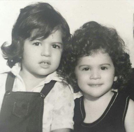 عکس ویشکا و اویسا آسایش در بچگی در کنار هم
