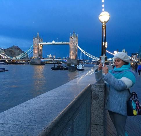 عکس الناز شاکردوست آبی پوش در لندن