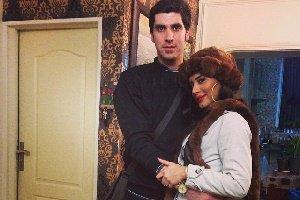 شهرام محمودی و عکس جدیدش در کنار همسر و فرزندش