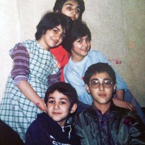لاله اسکندری و کودکی اش در کنار برادران و خواهرانش (عکس)