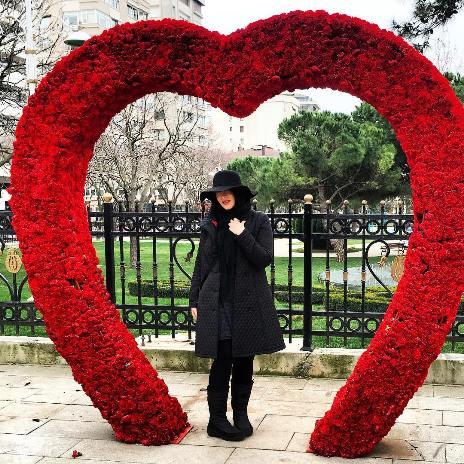 عکس های جدید سارا منجزی در ترکیه+بیوگرافی