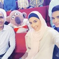 کیمیا علیزاده به همراه پدر و برادرش در خندوانه
